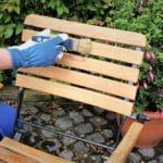 Gartenmöbel aus Holz pflegen und reinigen