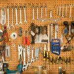 Werkzeuglochwand aus Metall